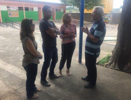 Ribeiro visita Escola Classe 19 do Gama