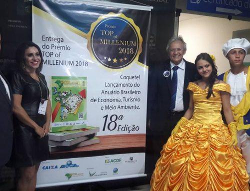 """Em lançamento de anuário, Ribeiro recebe homenagem """"Top of Millenium 2018"""""""